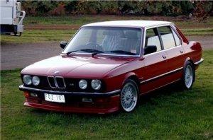 BMW 5 (E12 E28). 1972-87 г. Книга по ремонту.
